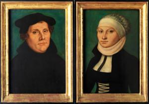 348738 Inventar-Nr.: G 559 Künstler: Cranach, Lucas d. Ä. (1472-1553) Werkstatt Gegenstand: Luther, Martin (1483-1546) Datierung: 1528 Technik: Öl auf Rotbuchenholz Material:  Maße: 37,60 x 25,60 cm ------------------- 348739 Inventar-Nr.: G 560 Künstler: Cranach, Lucas d. Ä. (1472-1553) Werkstatt Gegenstand: Luther, Katharina geb. von Bora (1499-1552) Datierung: 1528 Technik: Öl auf Rotbuchenholz Material:  Maße: 37,70 x 25,70 cm -------------------