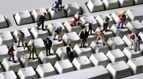 https://tse3.mm.bing.net/th?u=http%3a%2f%2fwww.involve.org.uk%2fwp-content%2fuploads%2f2014%2f03%2fLittle-men-on-keyboard.jpg&ehk=Qp8vSnCoUmzGQUqF%2bT6Kyw&r=0&pid=OfficeInsert