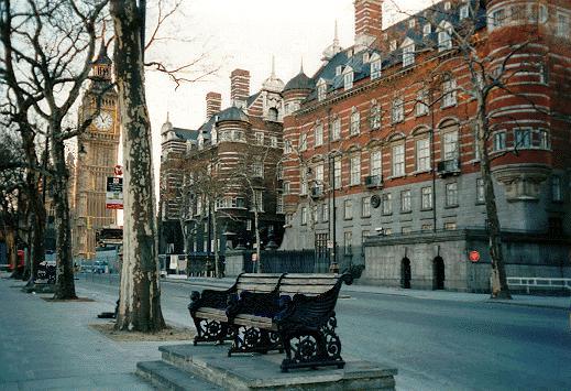 https://upload.wikimedia.org/wikipedia/commons/9/9a/New-Scotland-Yard-Victorian-building-Big-Ben-1890.jpg