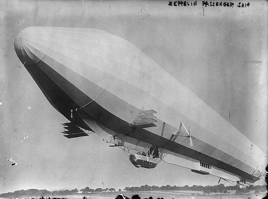 https://upload.wikimedia.org/wikipedia/commons/3/32/LZ7_passenger_zeppelin_enhanced.jpg