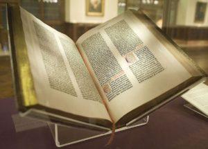 https://upload.wikimedia.org/wikipedia/commons/thumb/b/b6/Gutenberg_Bible%2C_Lenox_Copy%2C_New_York_Public_Library%2C_2009._Pic_01.jpg/1024px-Gutenberg_Bible%2C_Lenox_Copy%2C_New_York_Public_Library%2C_2009._Pic_01.jpg