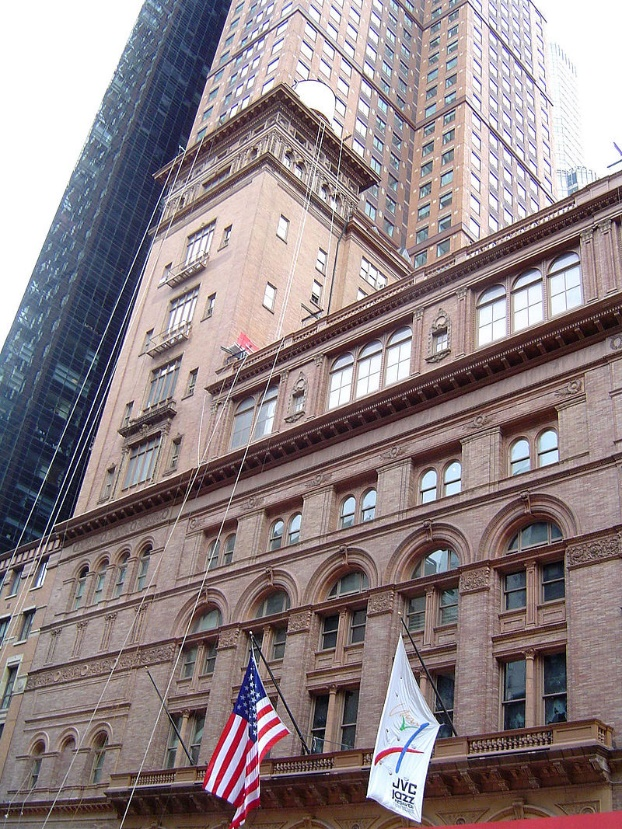 https://upload.wikimedia.org/wikipedia/commons/thumb/e/e3/Carnegie_Hall.jpg/800px-Carnegie_Hall.jpg