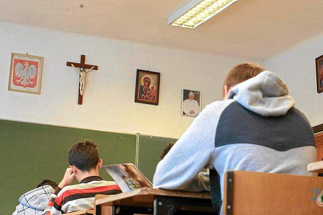 C:\Users\Piotr\Pictures\Saved Pictures\świecka szkoła.jpg
