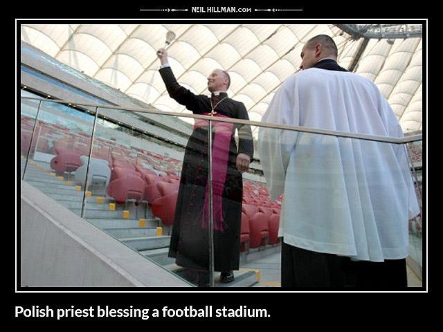 C:\Users\Piotr\Pictures\Saved Pictures\poświęcenie stadionu.jpg