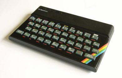 https://upload.wikimedia.org/wikipedia/commons/b/ba/ZX_Spectrum.jpg