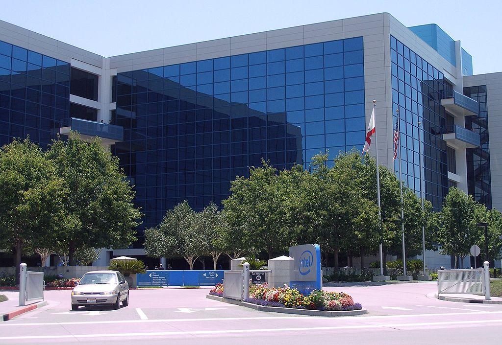 https://upload.wikimedia.org/wikipedia/commons/thumb/f/f3/Intelheadquarters.jpg/1024px-Intelheadquarters.jpg