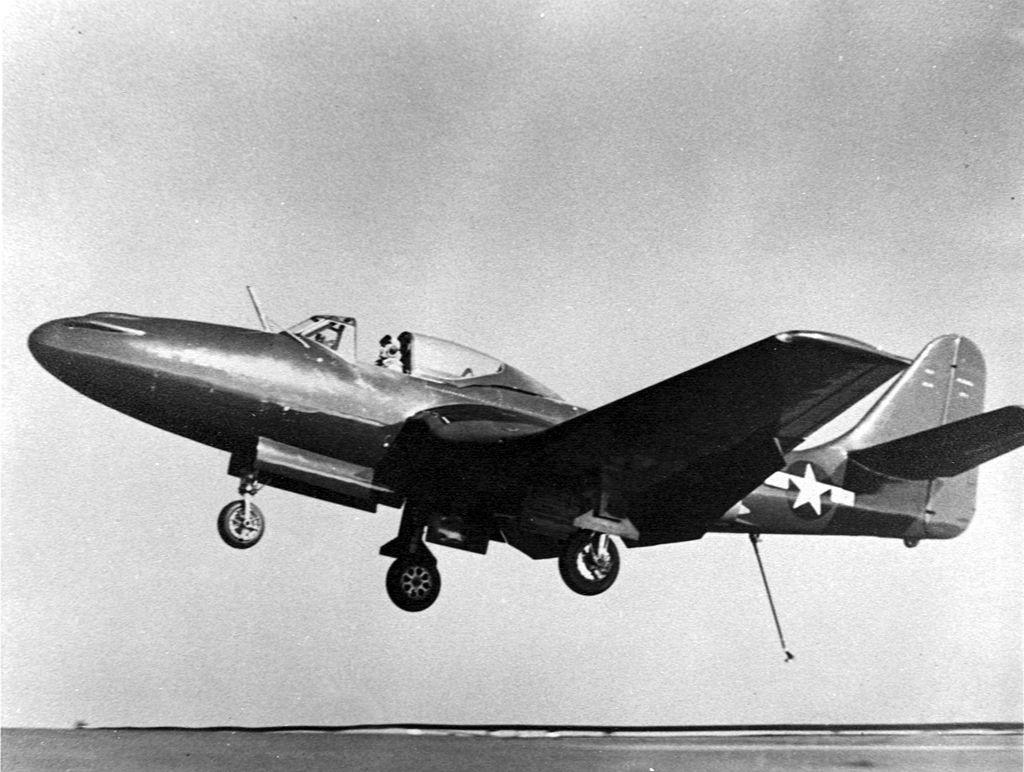 Lądujący FH-1 Phantom