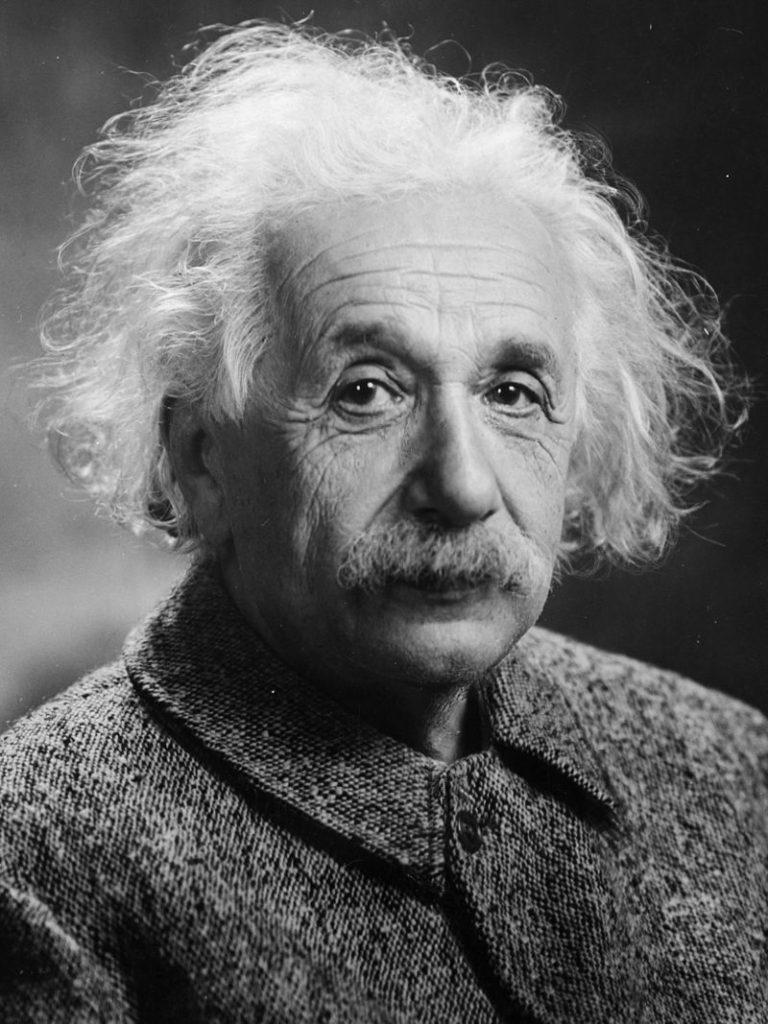 https://upload.wikimedia.org/wikipedia/commons/thumb/d/d3/Albert_Einstein_Head.jpg/800px-Albert_Einstein_Head.jpg