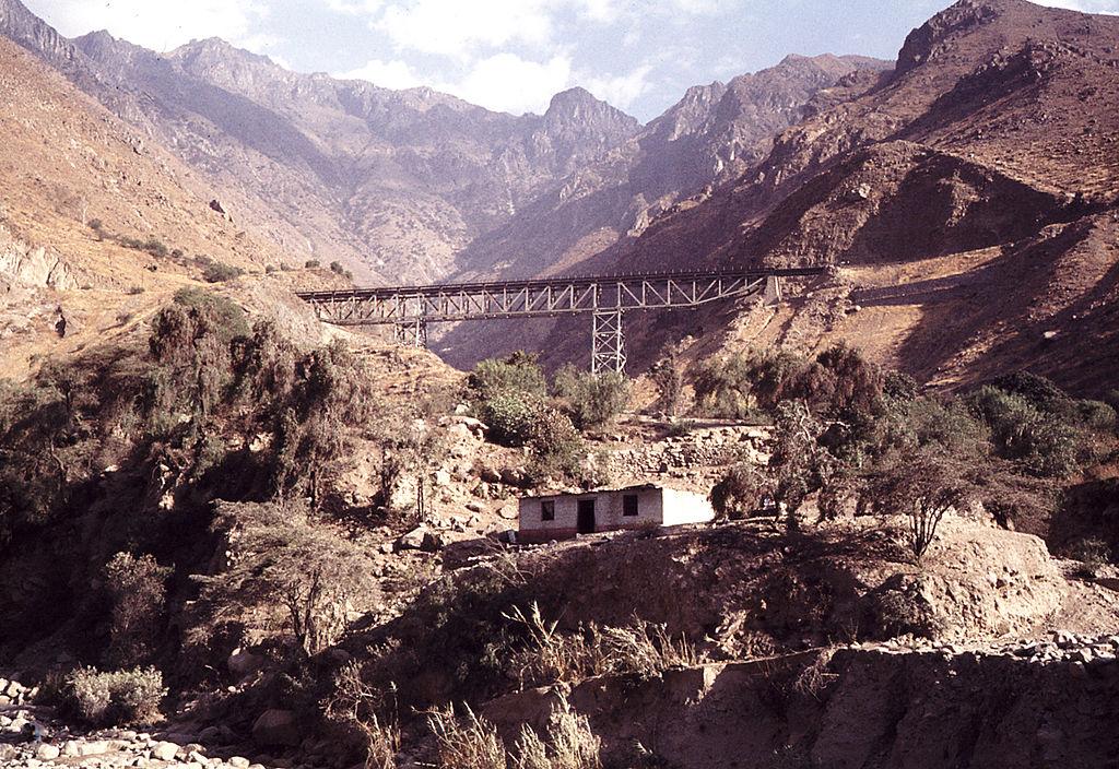 Peru railroad steel bridge.jpg