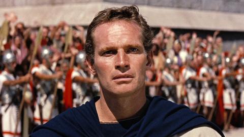 https://upload.wikimedia.org/wikipedia/commons/9/90/Charlton_Heston_in_Ben_Hur_trailer.jpg