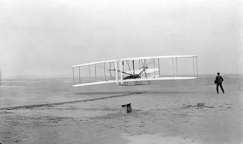 https://upload.wikimedia.org/wikipedia/commons/thumb/9/95/Wrightflyer.jpg/800px-Wrightflyer.jpg