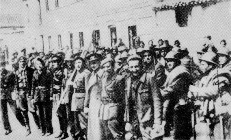 https://upload.wikimedia.org/wikipedia/commons/1/17/Dabrowszczacy_po_bitwie_pod_Gudalajara.jpg