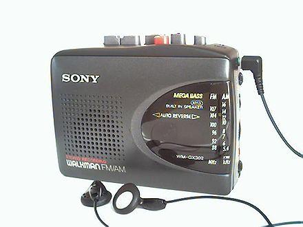Walkman firmy Sony model WM-GX302 zwbudowanym radioodbiornikiem